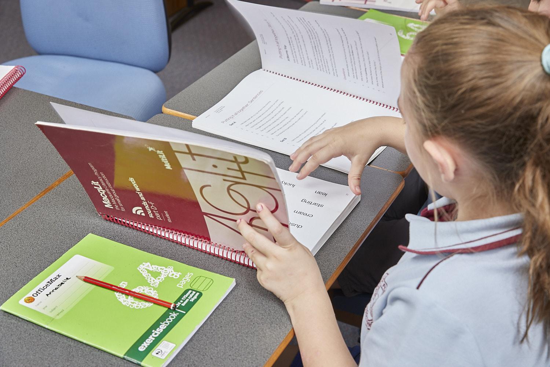 MacqLit Program from MultiLit for older low progress school students